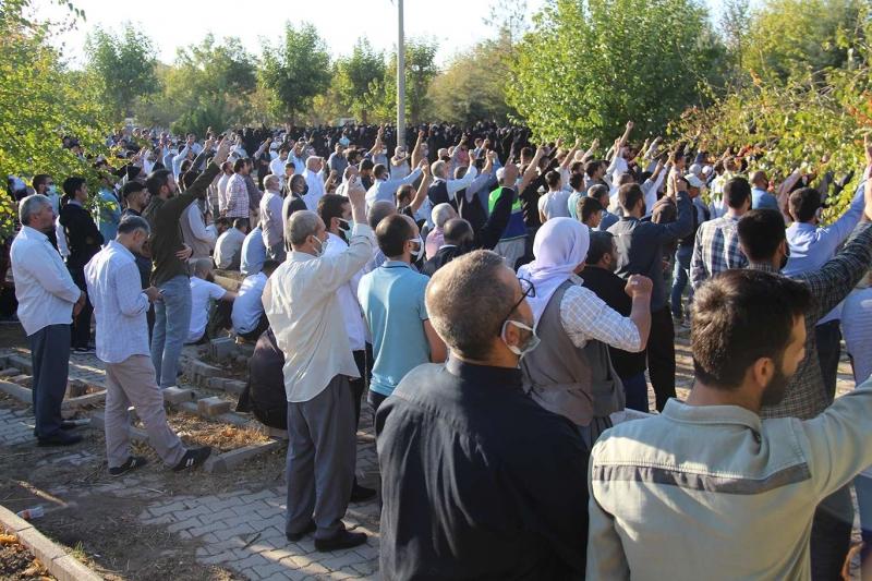 6-8 Ekim şehitleri şehadetlerinin 7'nci yılında kabirleri başında anıldı