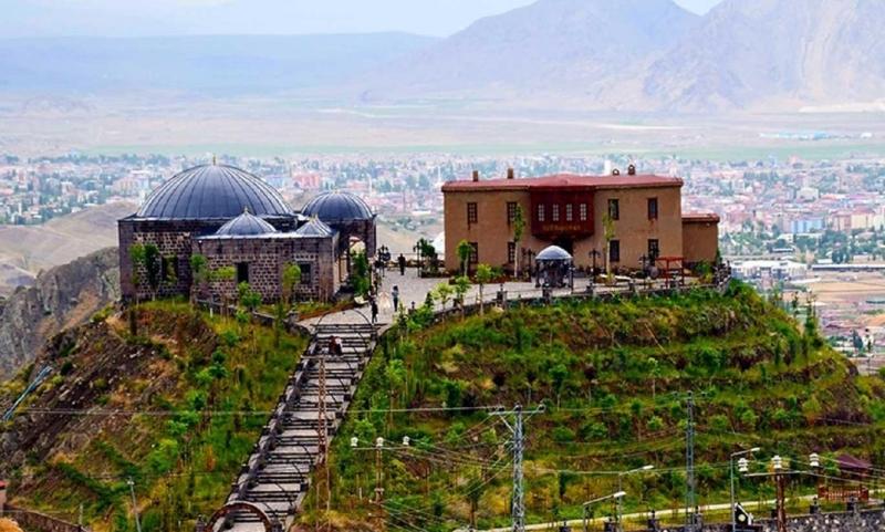 Ahmed-i Hani Müzesi 3 bin yıllık geçmişe ışık tutuyor