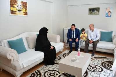 Bağlar Belediye Başkanı Beyoğlu, 6-8 Ekim şehid ve gazi ailelerini ziyaret etti