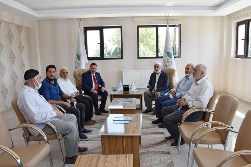 Bağlar Belediye Başkanı Beyoğlu İTTİHADUL ULEMA'yı ziyaret etti