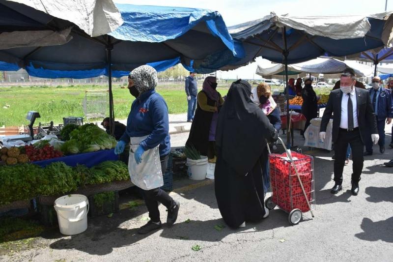 Bağlar'da kadın ve erkek semt pazarlarının birleştirme kararı iptal edildi