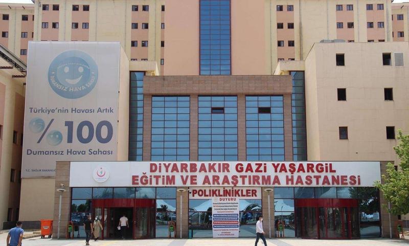 Diyarbakır Gazi Yaşargil Eğitim ve Araştırma Hastanesi Başhekimi görevden alındı