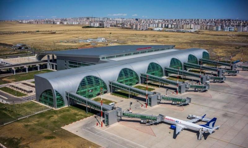 Diyarbakır Havalimanı bir aylık uçuş trafiğine kapatıldı