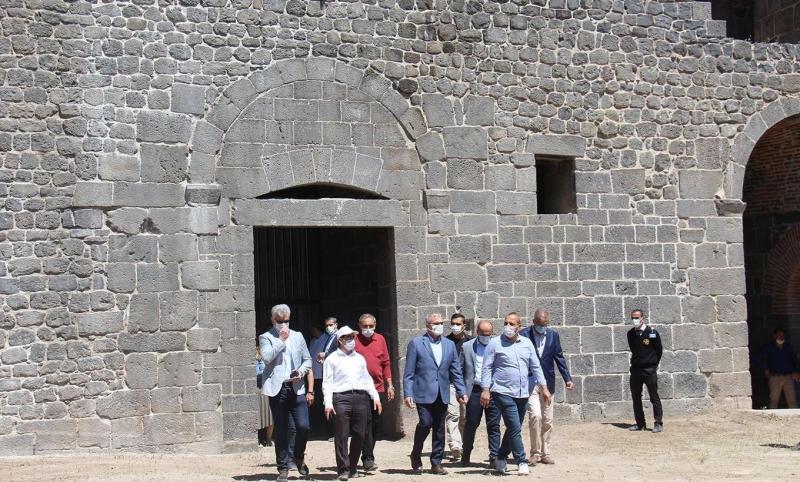 Diyarbakır surlarında restorasyon çalışmaları devam ediyor