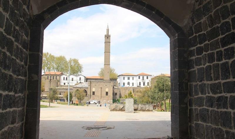 Tarihi 'Küpeli Kapısı' açıldı