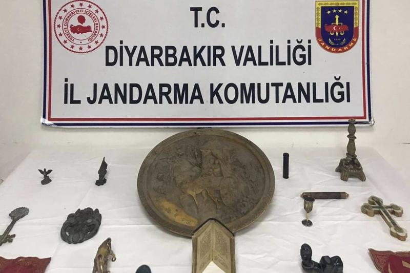 Diyarbakır'da 26 tarihi eser ele geçirildi