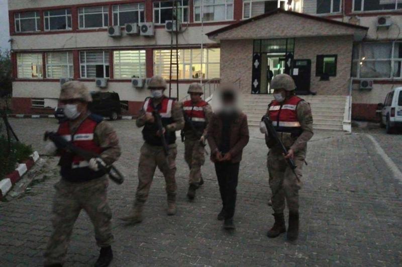 Diyarbakır'da 6 yıldır aranan şahıs kumar oynarken yakalandı