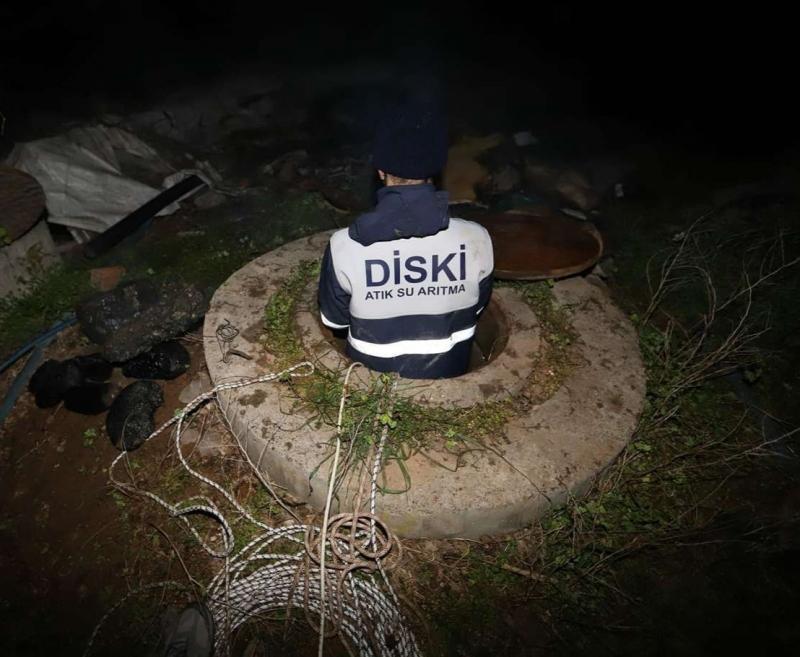 Diyarbakır'da kanalizasyon şebekesinde 2 ton çöp çıkarıldı