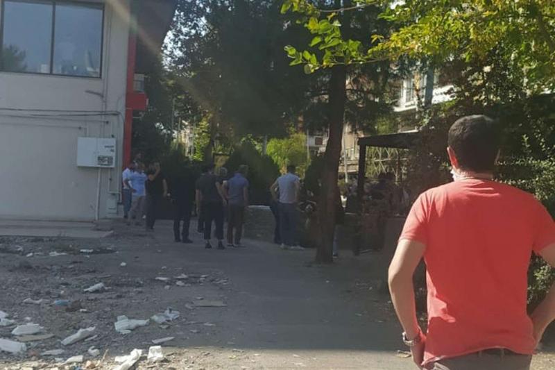 Diyarbakır'da kardeşi tarafından vurulan kadın öldü