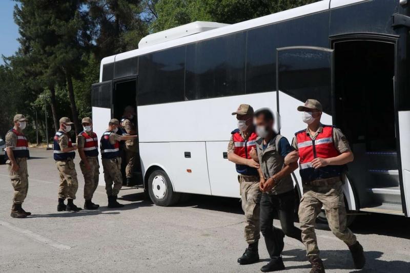 Diyarbakır'da operasyon: 33 kişi tutuklandı