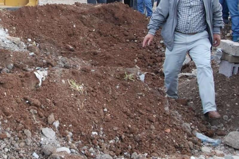 Diyarbakır'da tedavi için kadını diri diri mezara koydular!
