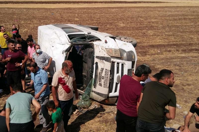 Diyarbakır'da trafik kazası: Bir ölü 9 yaralı