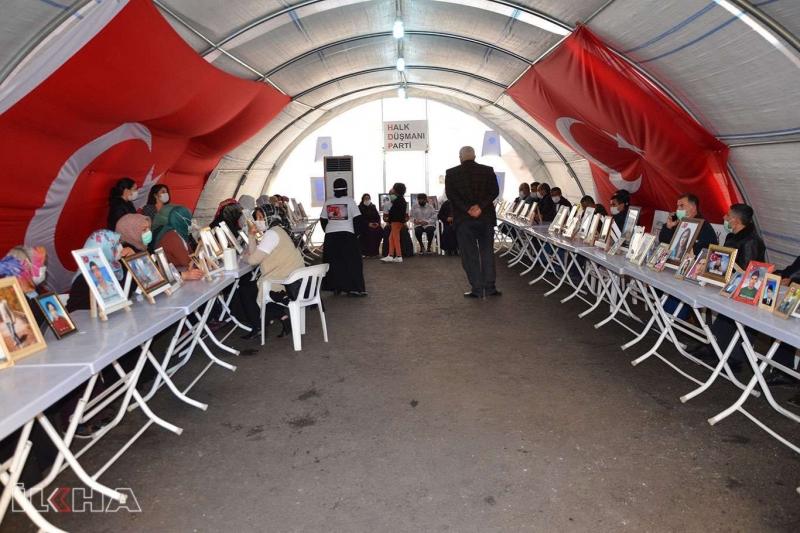Evlat nöbetindeki ailelerden CHP ve HDP'ye tepki
