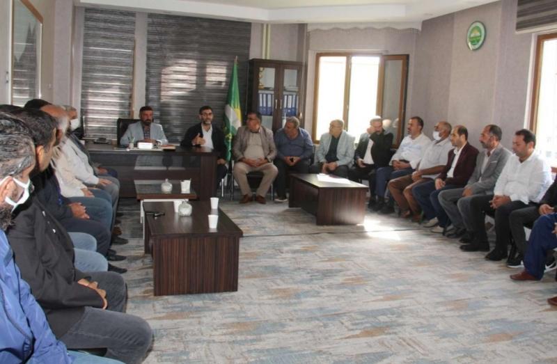 HÜDA PAR Diyarbakır'da iki aile arasındaki husumeti sona erdirdi