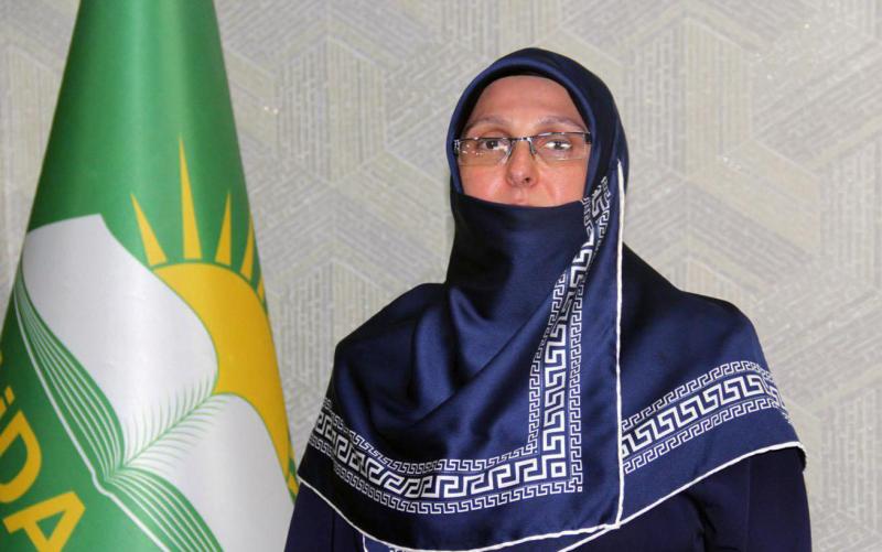 HÜDA PAR Kadın Kolları Başkanı Yarar'dan tesettüre yapılan hakarete tepki