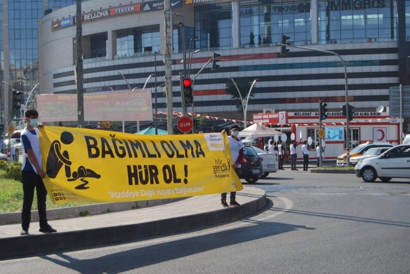 Hür Gençlik Diyarbakır İl Başkanı İleri: Bağımlılığa karşı toplumsal bir farkındalık oluşturuyoruz