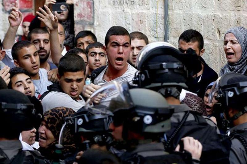 Siyonist israil Mescid-i Aksa'ya saldırdı: 163 yaralı