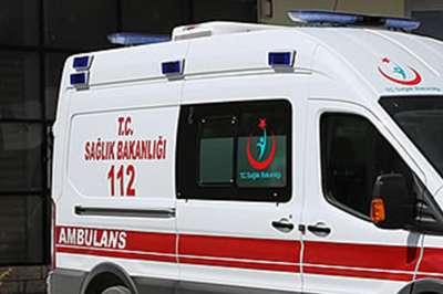 Tarım işçilerini taşıyan minibüs otomobille çarpıştı: Bir ölü 17 yaralı